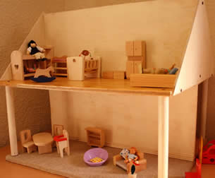 Jeanne's daddy built this playhouse - special for her office
